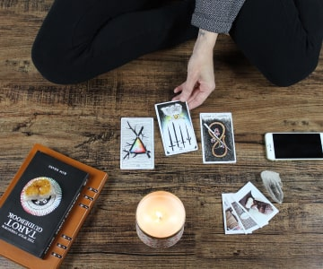 How Tarot Cards and Readings Work